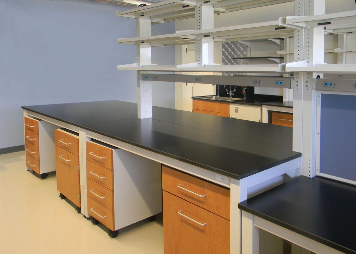 Adaptable Laboratory Table Systems - A.T. Villa | Flexible Lab ...